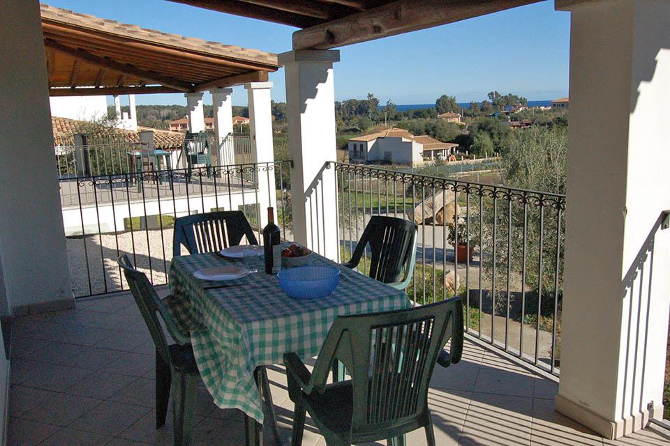 Borgo sa marina appartamenti torre di bari bari sardo for Subito it appartamenti arredati bari